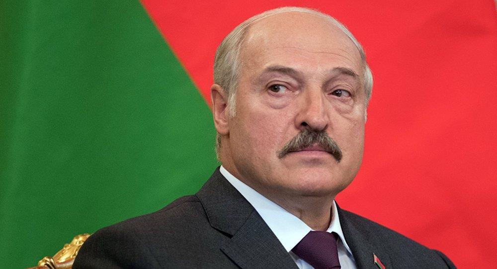 """Лукашенко считает, что """"ру**кий мир"""" – это """"глупость"""", и разрывает все связи с Россией – громкие подробности"""