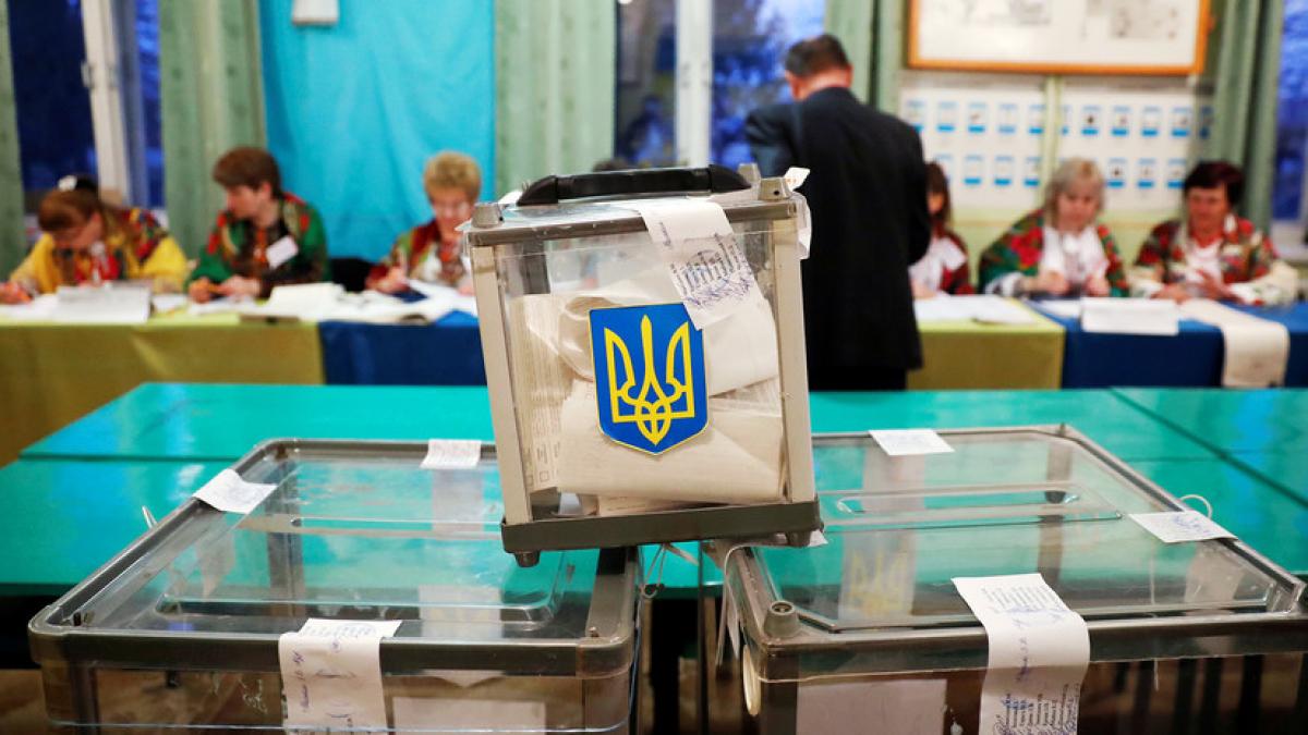 """""""Слуги"""" не смогли завоевать Украину: почему """"зеленые"""" проиграли местные выборы-2020"""