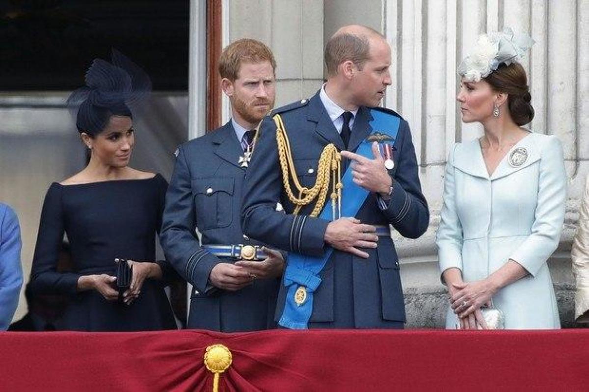 """Стало известно, что раскололо королевскую семью на 2 лагеря: """"Все началось перед свадьбой"""""""
