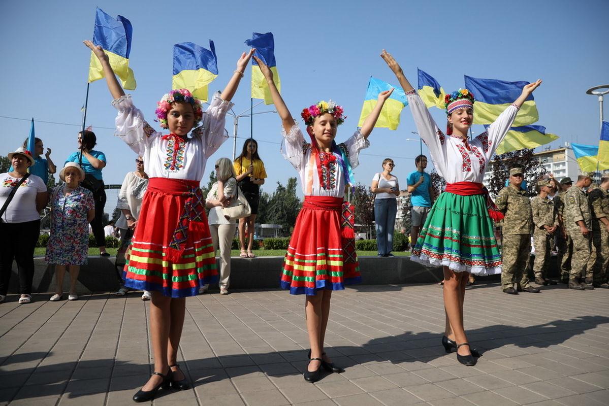 В Украине могут отменить выходные 1 мая и 8 марта: стали известны подробности законопроекта