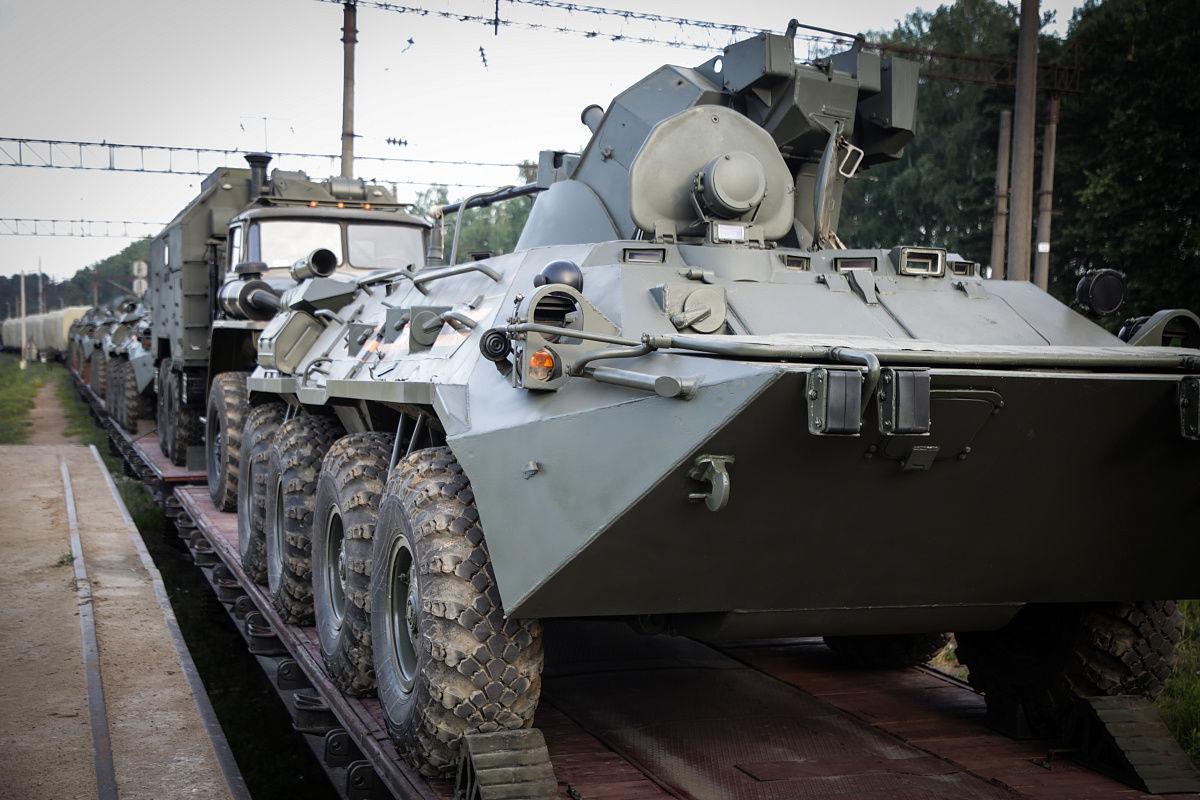 """""""Войска со всей России на границе, такого никогда не было"""", – расследователи пояснили, как РФ готовится к наступлению"""
