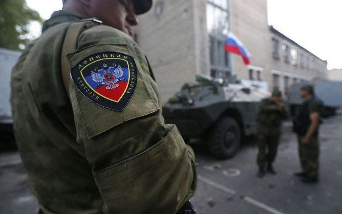 """Боевики """"ДНР"""" обвинили ВСУ в ликвидации двух террористов под Мариуполем - Бутусов указал на провал пропаганды"""