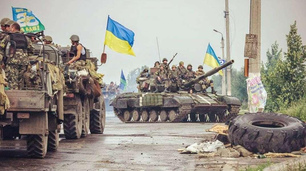 """""""Мы вернем Донбасс, установим там свои флаги и поставим свою ногу на горло """"зеленым человечкам"""",  а потом дойдет и до """"зеленых человечков"""" в Крыму"""" –  эксперт дал Порошенко ценный совет"""
