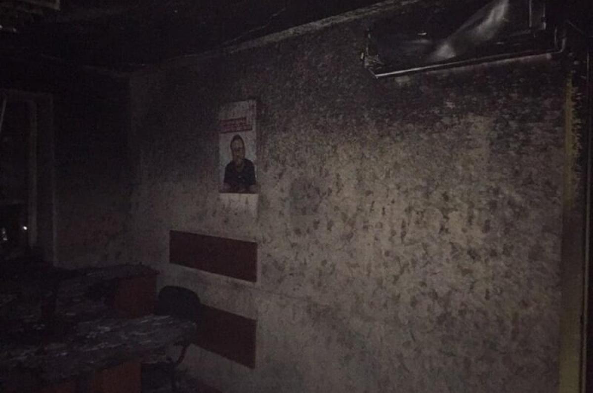 В Херсоне неизвестные сожгли офис партии Шария: детали