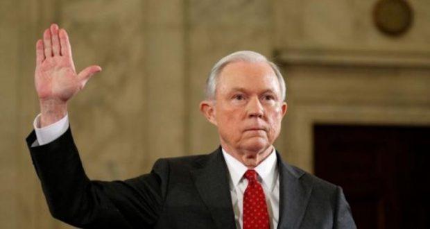Сегодня министр юстиции США дает свидетельские показания о вмешательстве России в президентские выборы