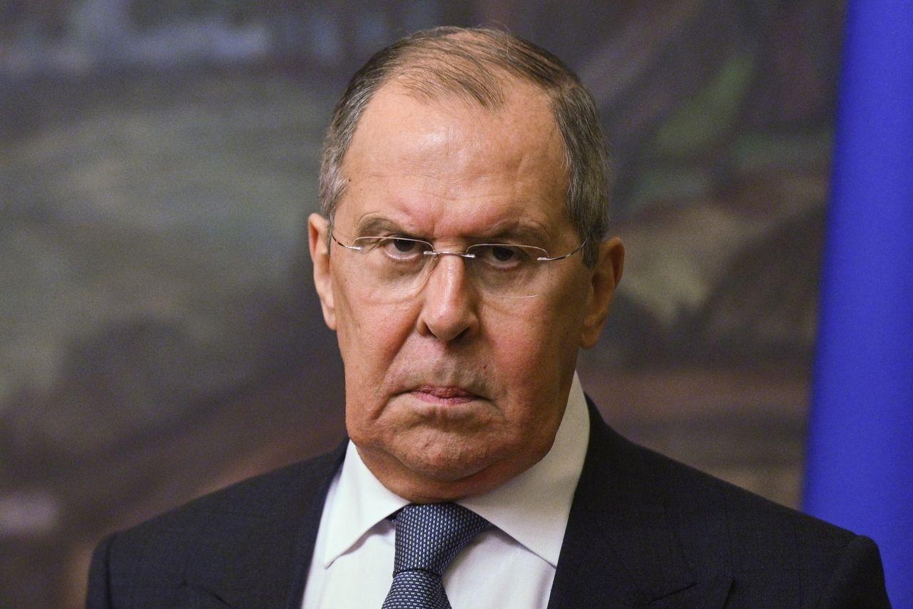 """Лавров заявил о подорванном доверии к партнерам и анонсировал """"конкуренцию"""" за право транзита газа"""