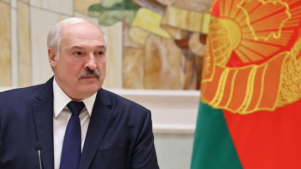 """Белковский рассказал, почему Лукашенко """"слил"""" сделку с Зеленским по """"вагнеровцам"""""""
