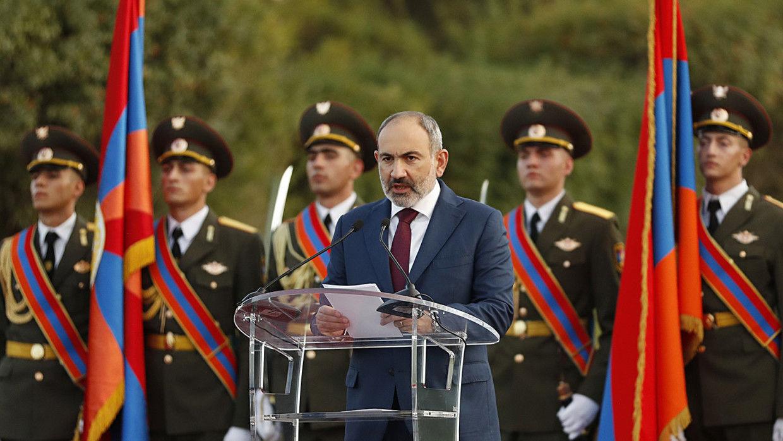 """""""На площадь прямо сейчас!"""" – Пашинян призвал граждан выйти на протест против военного переворота"""