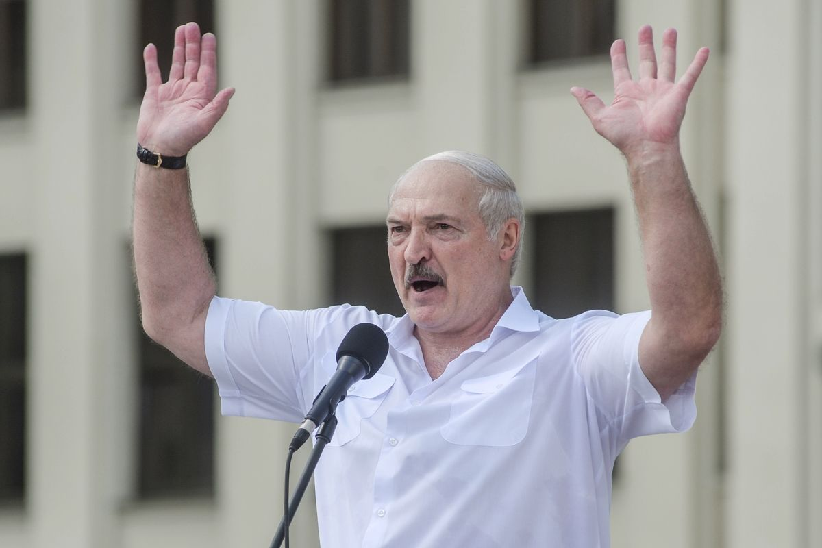 """Лукашенко включил """"заднюю передачу"""" с Украиной - в Минске поняли, что погорячились"""