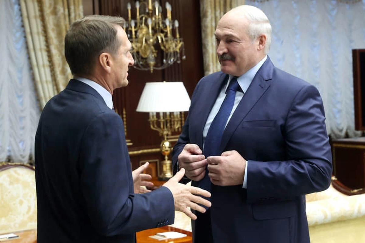 Тайная активность Лукашенко заставила нервничать Кремль - в Минск отправился глава СВР Нарышкин