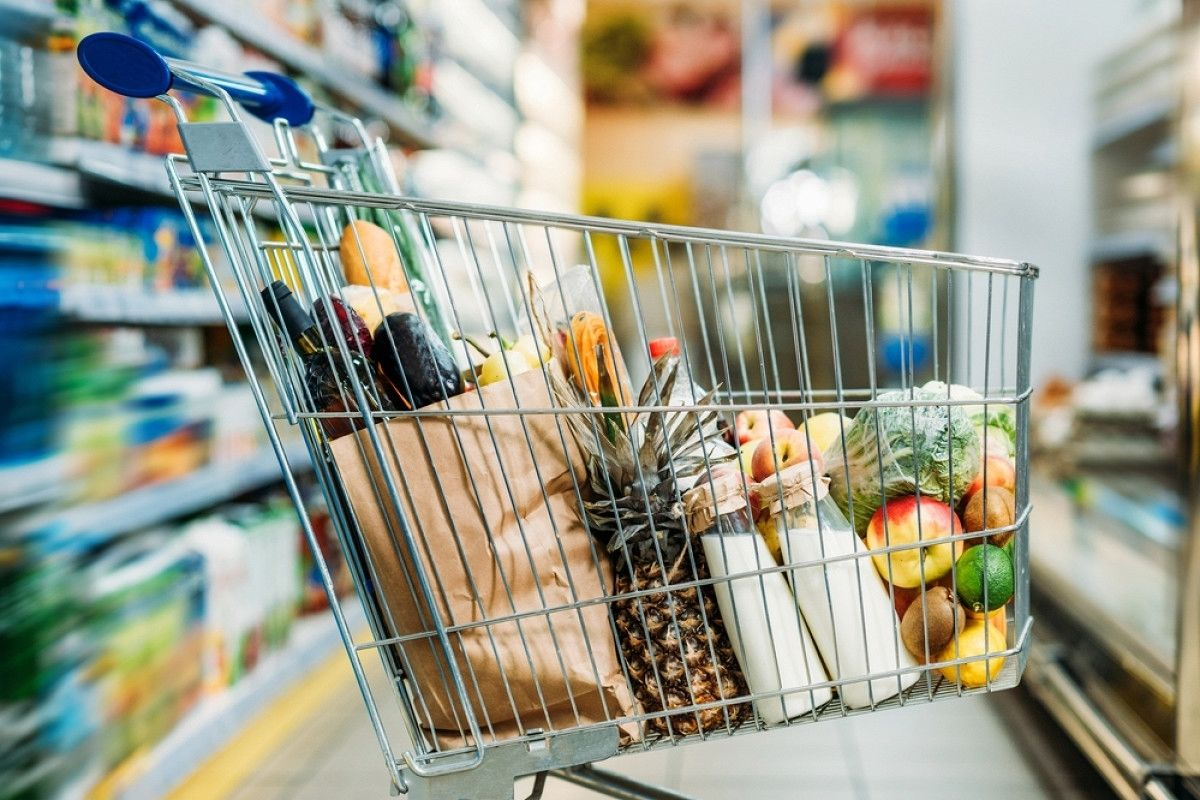 Как сэкономить деньги, покупая продукты для семьи: хитрости опытных хозяек