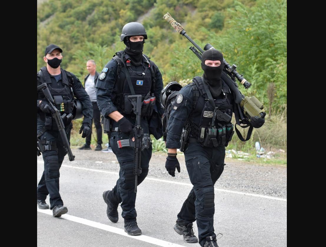НАТО вмешалась в конфликт Сербии и Косово: на границе много бронетехники, Белград настроен решительно