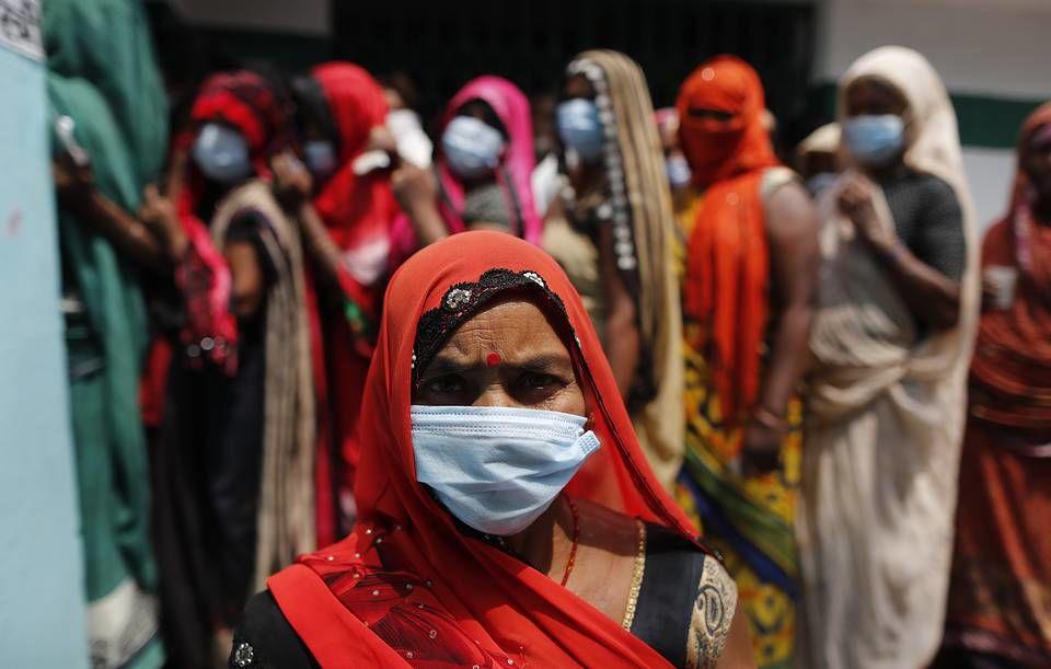 В Индии людей, выздоровевших от COVID-19, настигает осложнение этой болезни – мукормикоз