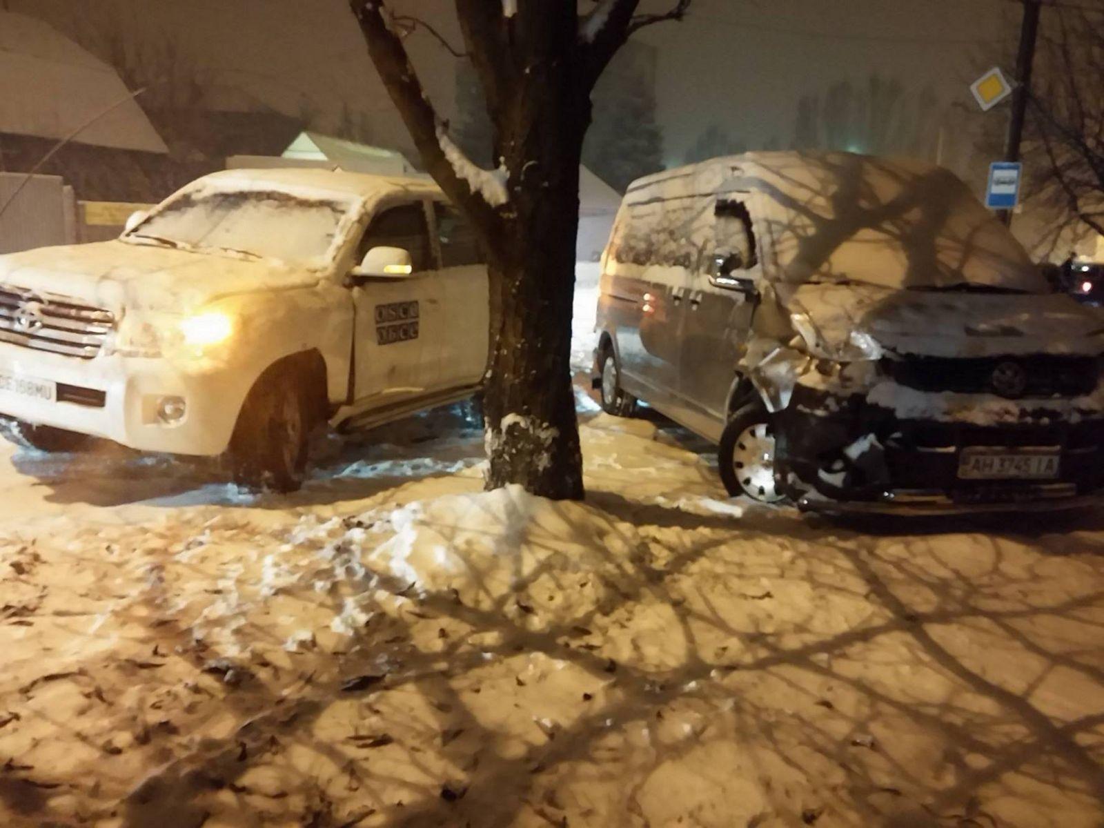 В Краматорске джип ОБСЕ врезался в Volkswagen. Пострадал ребенок