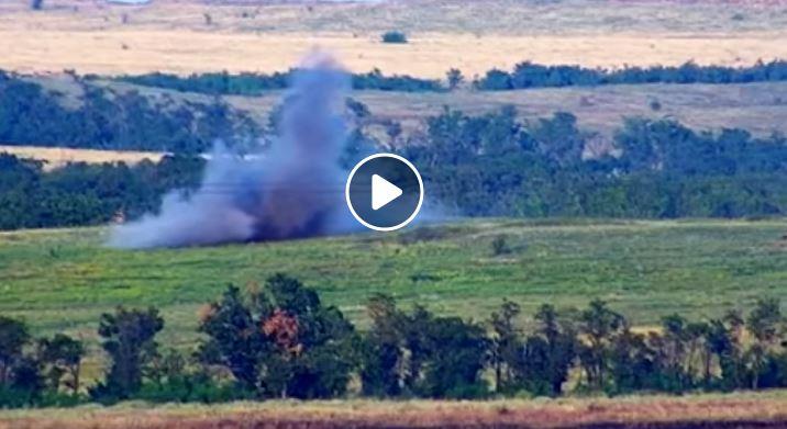 Позиции террористов на востоке Украины взорваны сверхточным ударом: взрыв сравнял точку боевиков с землей - кадры