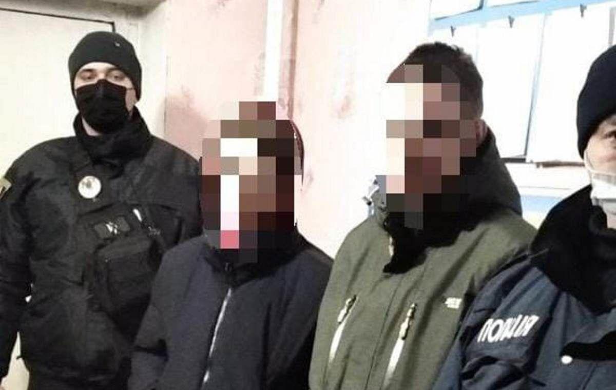 На Луганщине вандалы надругались над памятником Героям-добровольцам – злоумышленников задержали