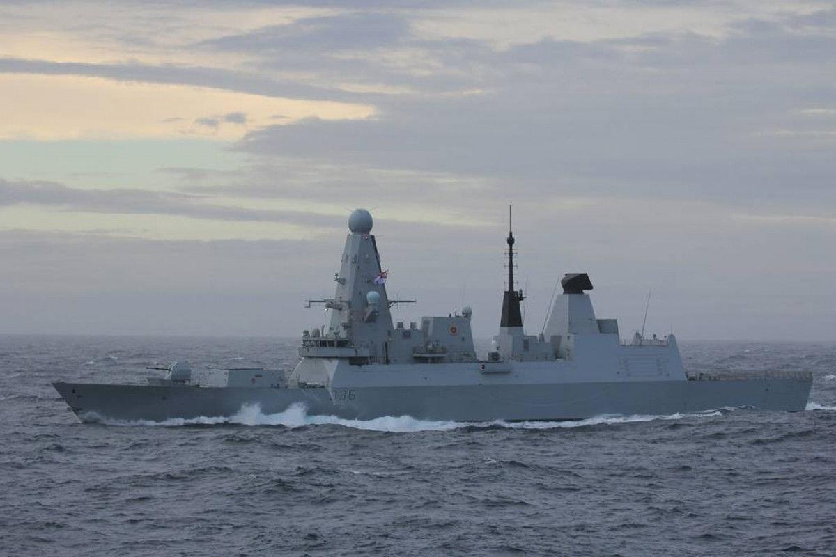 """Показан маршрут движения """"обстрелянного"""" Россией британского эсминца Defender"""