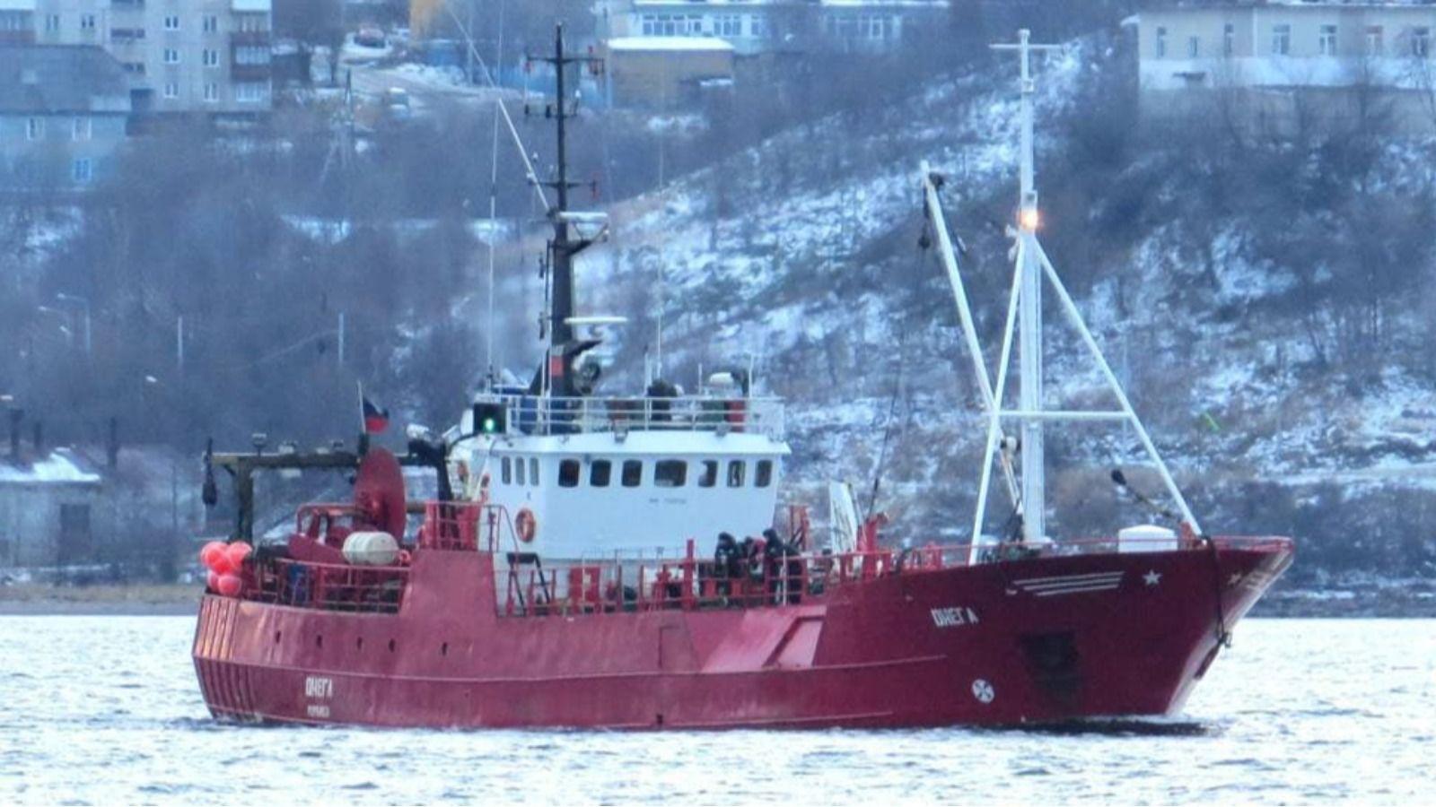 """В России затонуло судно """"Онега"""" с 19 людьми на борту"""