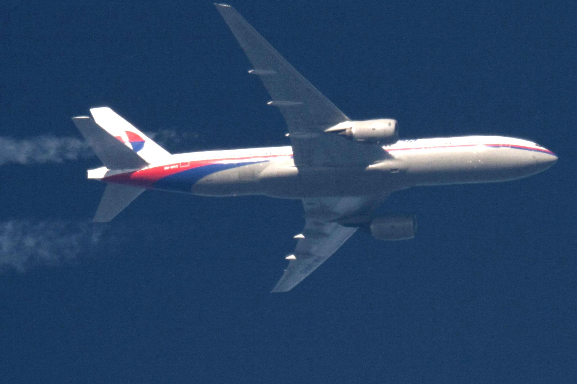 На борту самолета Москва - Грозный пассажир пытался совершить самоубийство