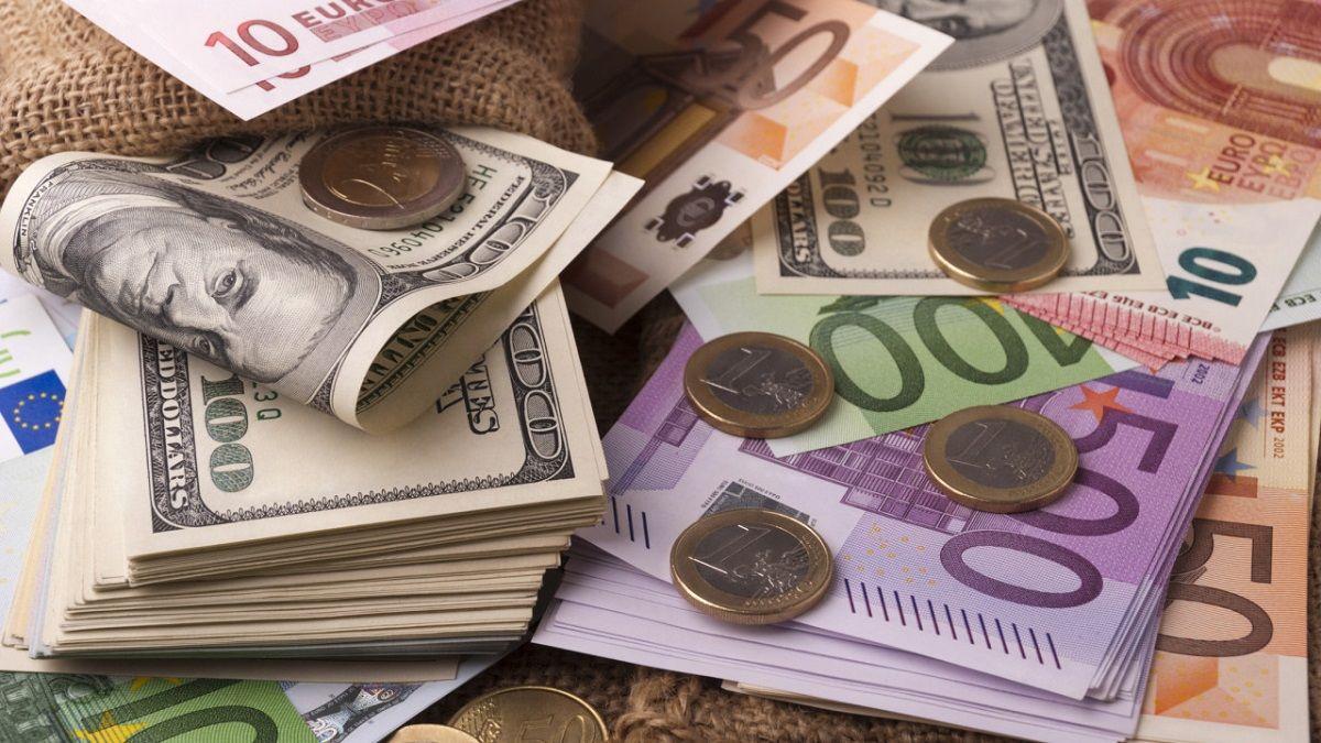 Гривна рекордно укрепилась к евро, доллар продолжает падение