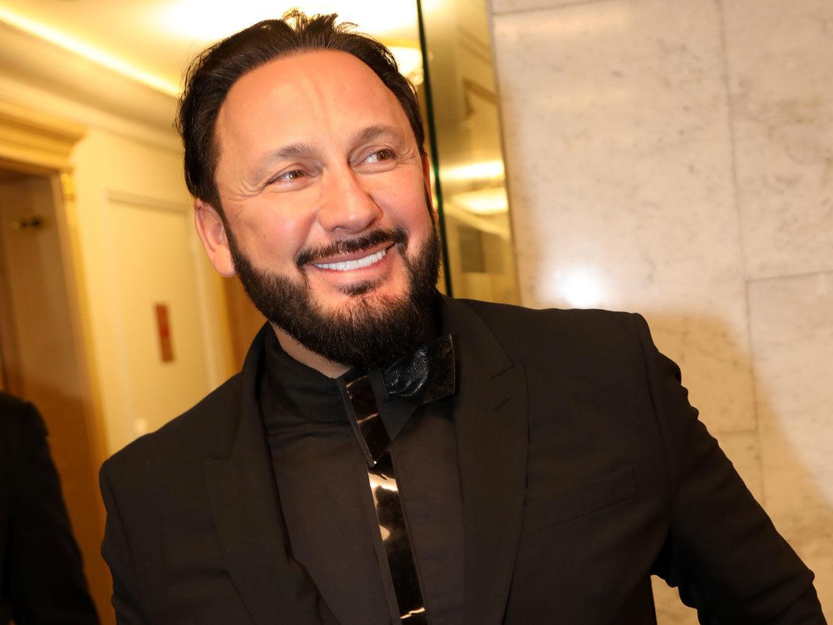 С певцом Стасом Михайловым разгорелся денежный скандал