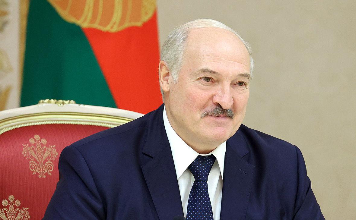 На фоне новых протестов в Беларуси Лукашенко ужесточает законы и готовится производить оружие