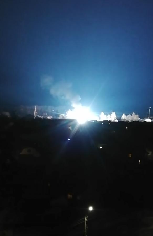 Взрыв и пожар: в Боярке загорелась электроподстанция, видео