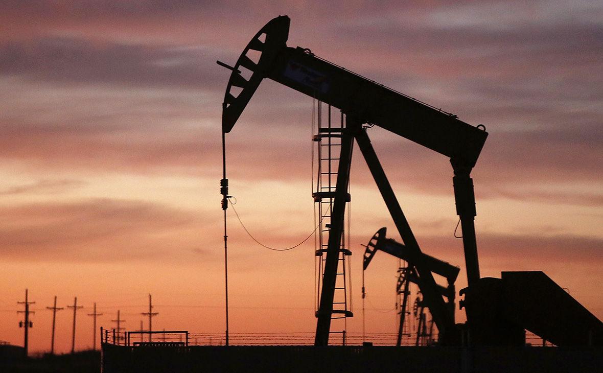 Нефть продолжает рекордно дорожать: СМИ назвали главную причину