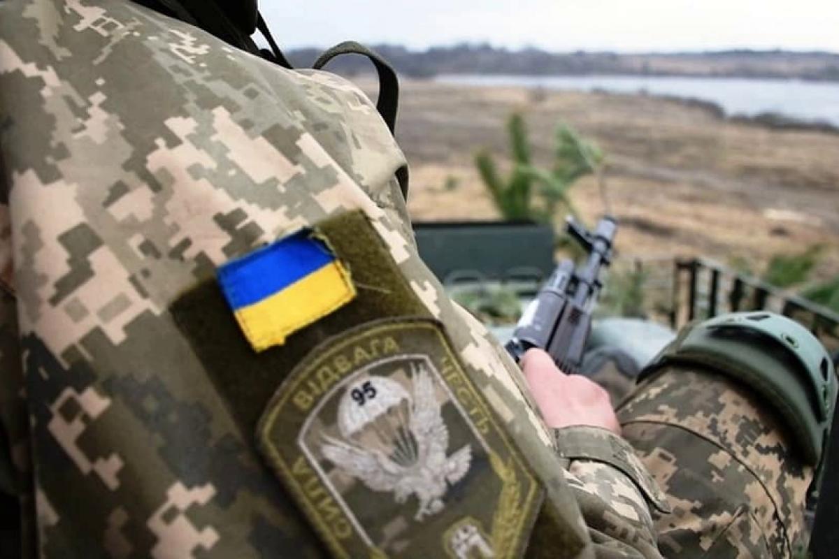 После слов Пушилина боевики открыли огонь по ВСУ - снаряд задел военного