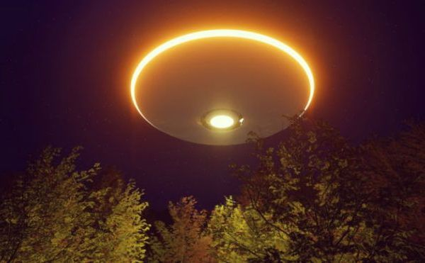 Смертоносная Нибиру начала вторжение: корабли с пришельцами зависли в небе -  видео с НЛО по всему миру
