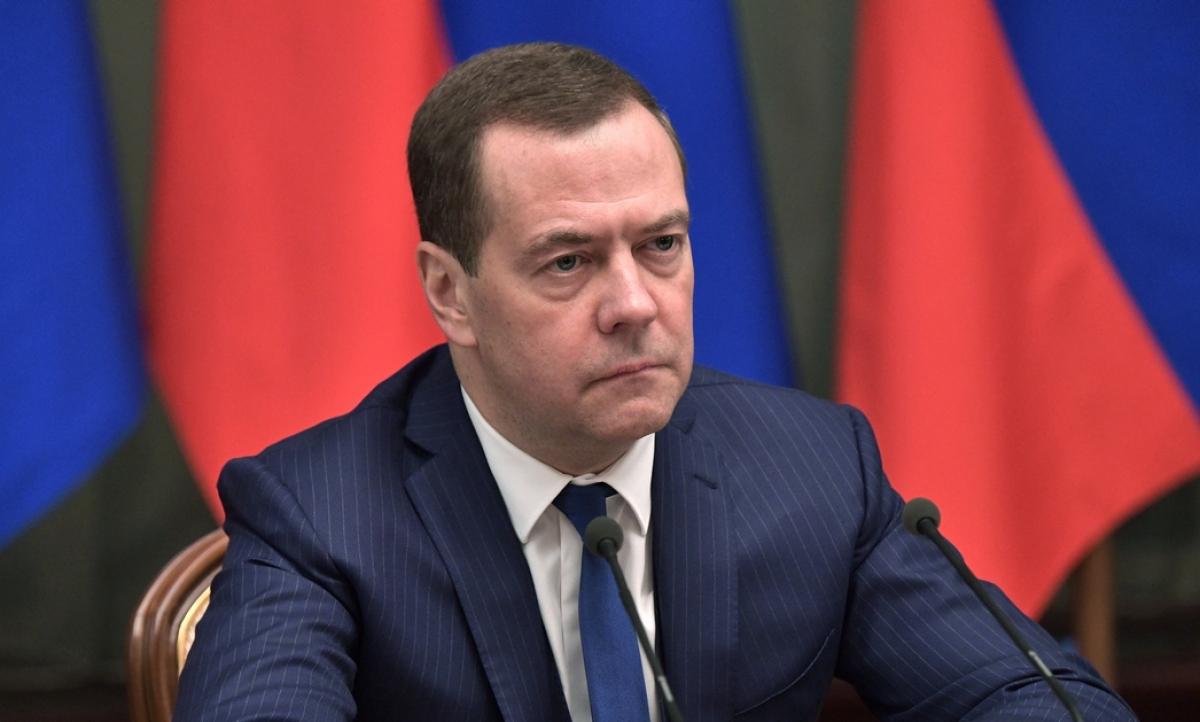 """Медведев об аннексии Крыма: """"Это больно ударило по экономике России"""""""