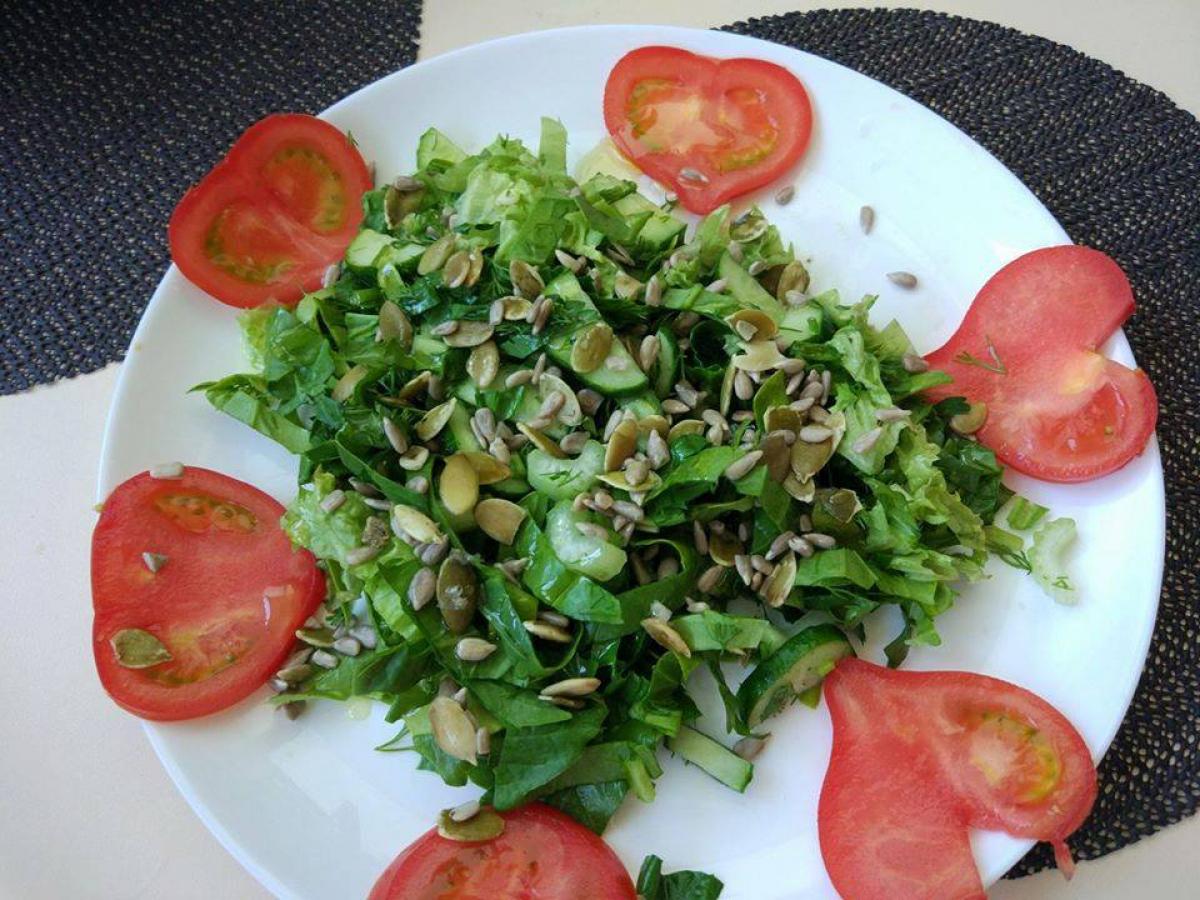 Веганская кухня: рецепт весеннего салата – как питаться сытно и полезно