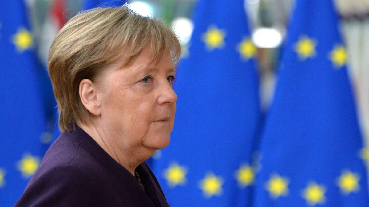 """""""Заботу Украины воспринимаем серьезно"""", - Меркель готова к санкциям против """"Северного потока - 2"""""""