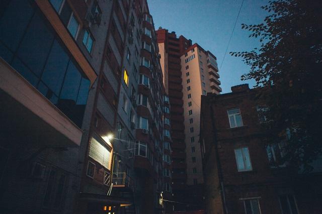 В центре Днепра в квартире зарезали прокурора: появились кадры с места убийства - подробности
