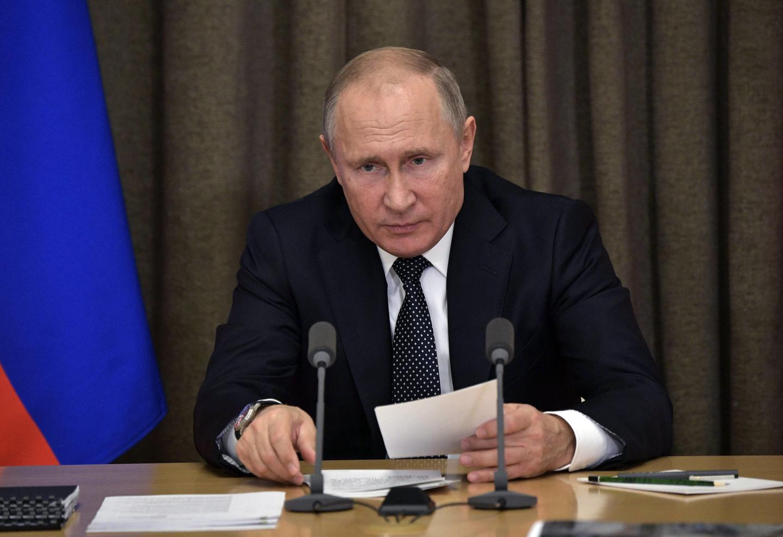 Россия, Украина, Путин, Меркель, Военное положение, Порошенко.