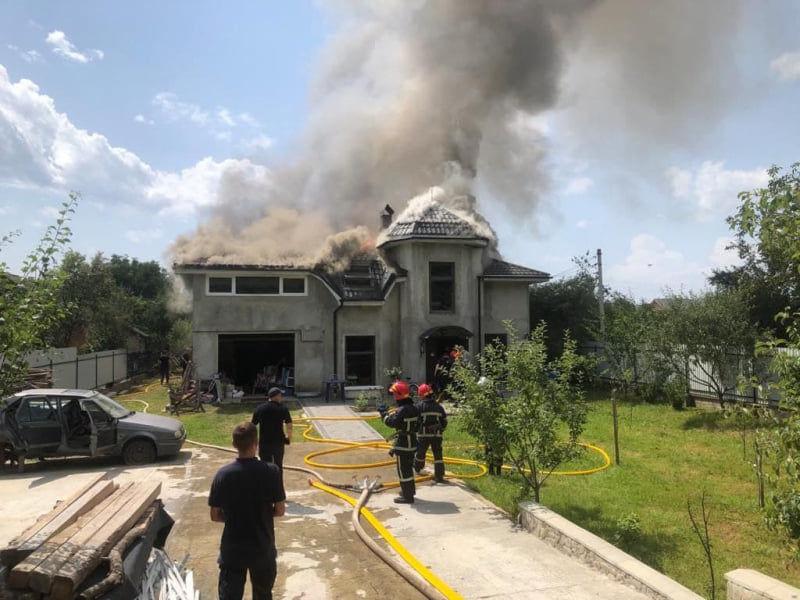 В Ивано-Франковской области самолет упал на жилой дом: все пассажиры погибли