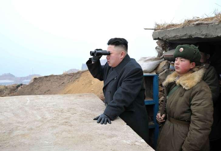 """В США сообщили о """"катастрофическом провале"""" КНДР: в Северной Корее после неудачного запуска ракета обрушилась на город – СМИ"""