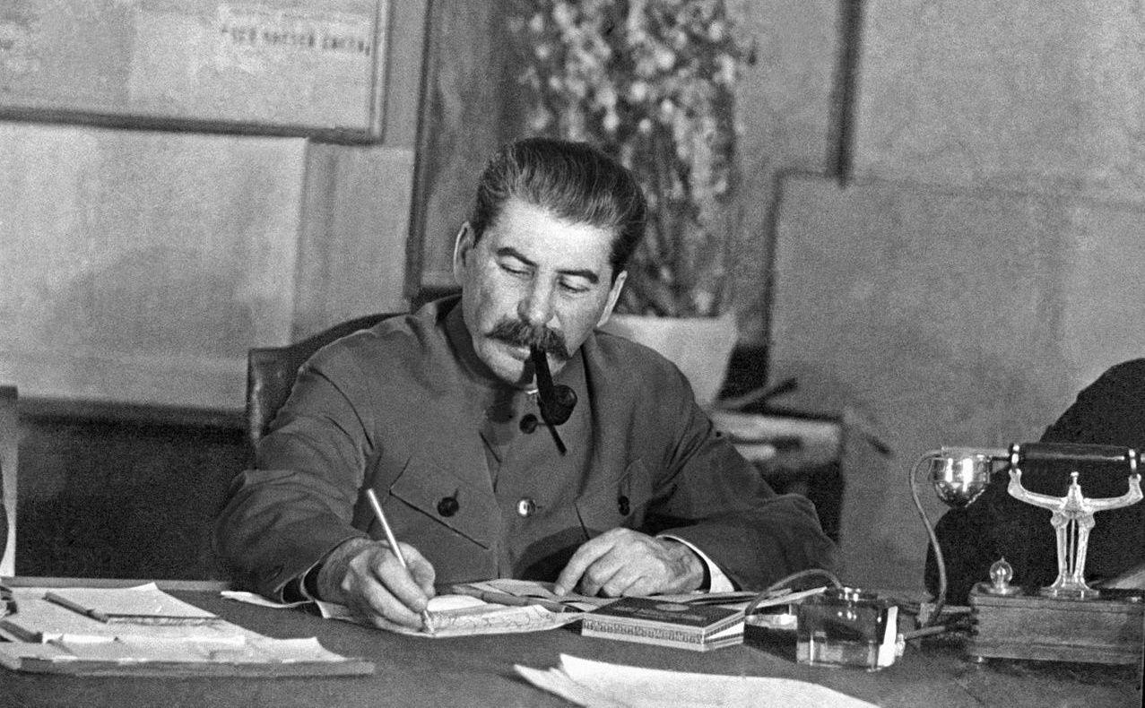 Насколько изменилась роль личности Сталина в России, Украине и Грузии: ответ социолога и историка