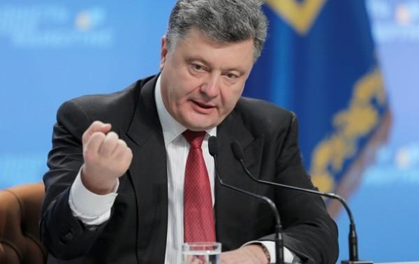 Выборы в отдельных районах Донецкой и Луганской области: Порошенко заставляет Путина играть по своим правилам