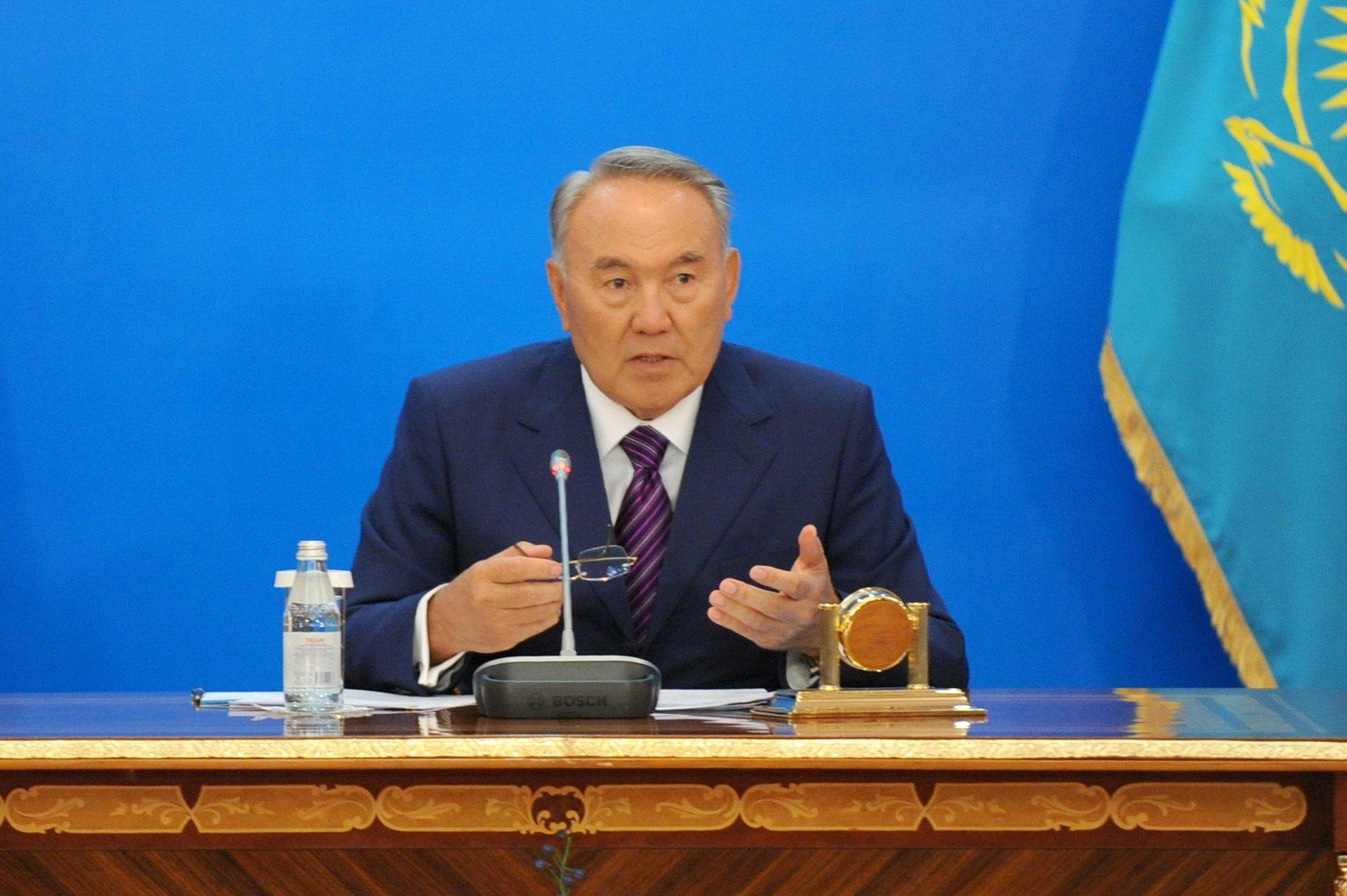 Нурсултан Назарбаев, украина ,казахстан ,политика, общество, донбасс
