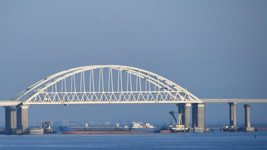 Крымский мост, сел на мель Керченский мост, Керченский пролив, Черное море, Азовское море, эксперт, строительство,