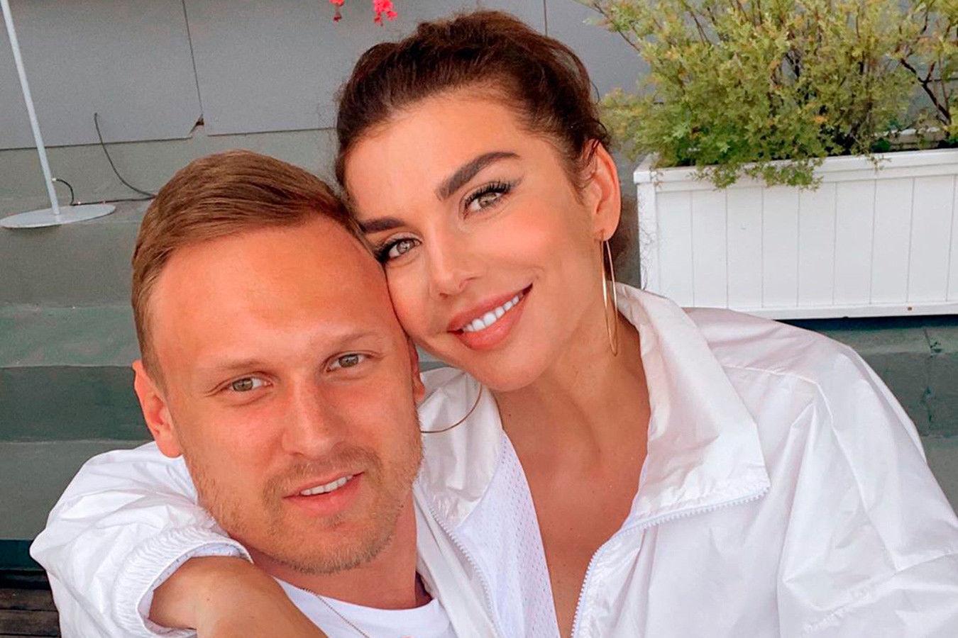 Анна Седокова намекнула на расставание с 4-м мужем Янисом Тиммой