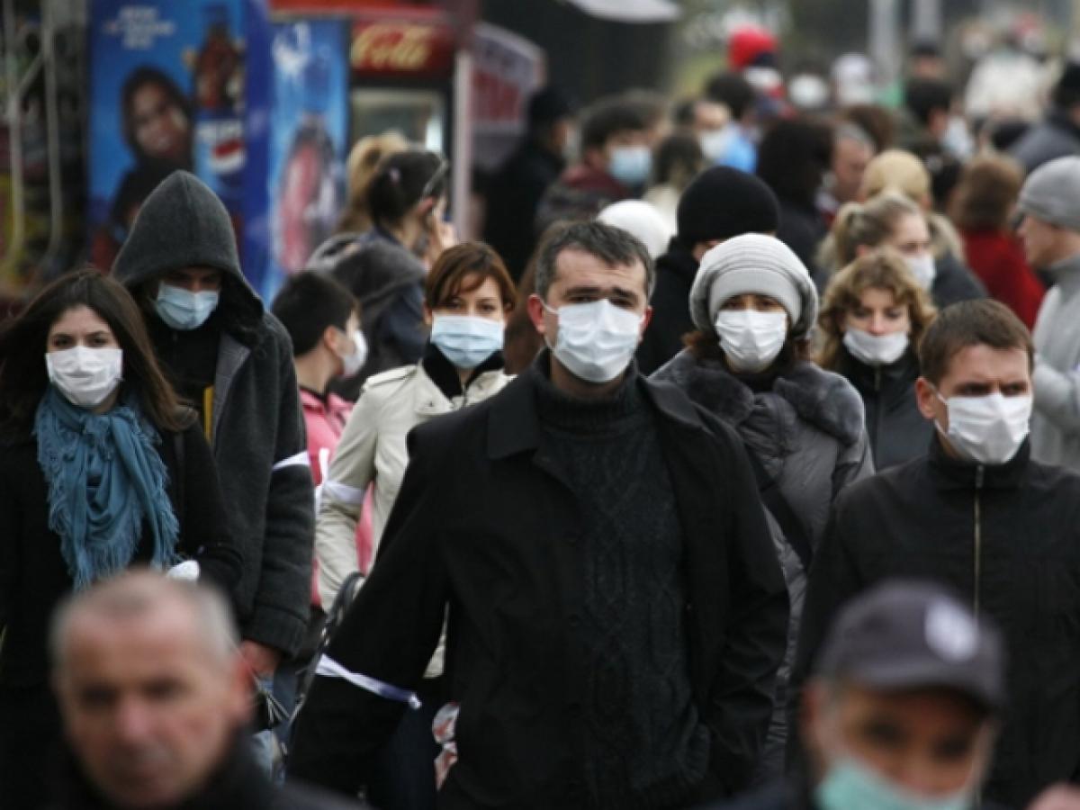 COVID-19 поражает молодых в Украине: появилась статистика, какой возраст в группе наибольшего риска