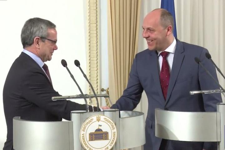 """""""Мы наблюдаем очень большой прогресс"""", - глава ПА НАТО Алли сказал, что у Украины есть все шансы стать членом Альянса"""