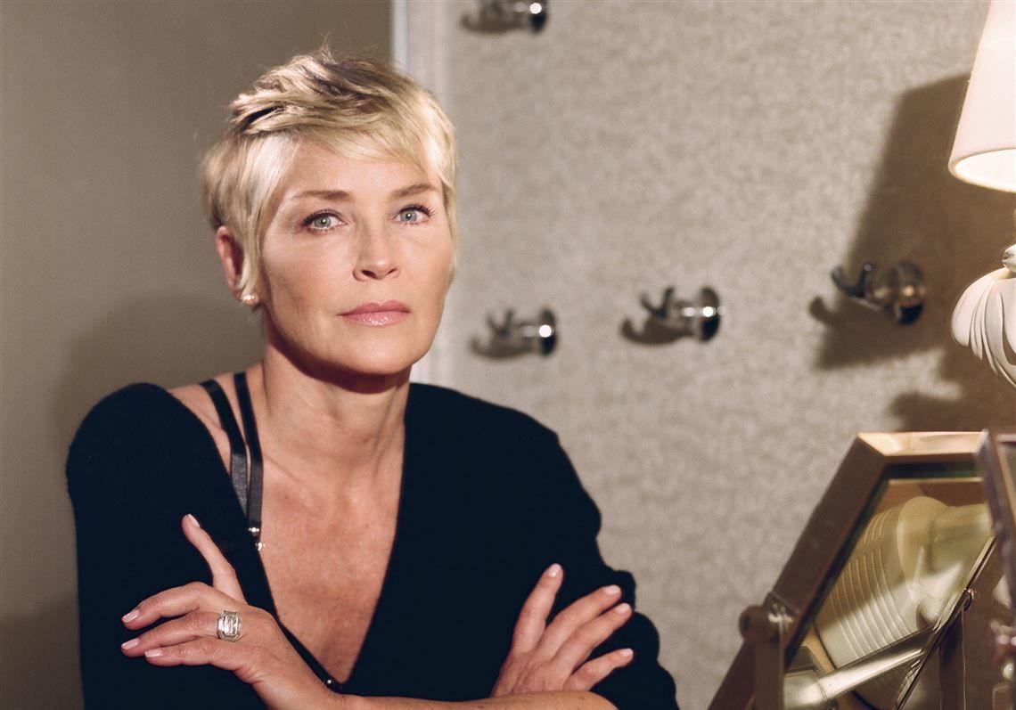 """""""Вы прекрасны"""", - Шэрон Стоун в купальнике доказала: возраст сексуальности не помеха"""