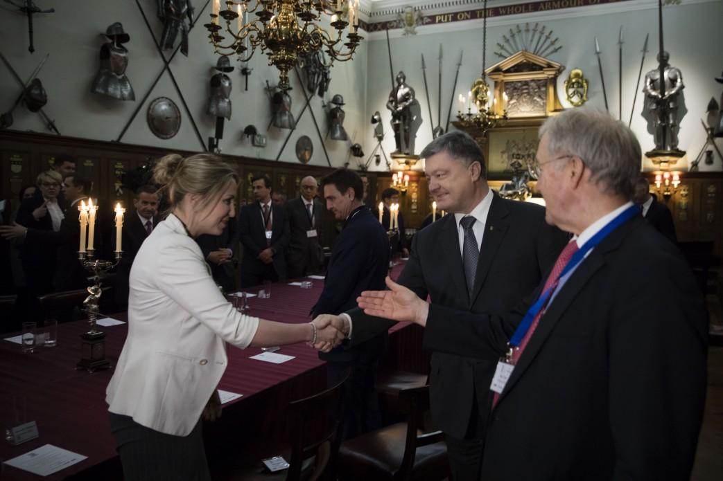 """""""Хороший пример для других инвесторов"""", - Порошенко пообщался с представителями бизнеса Великобритании"""