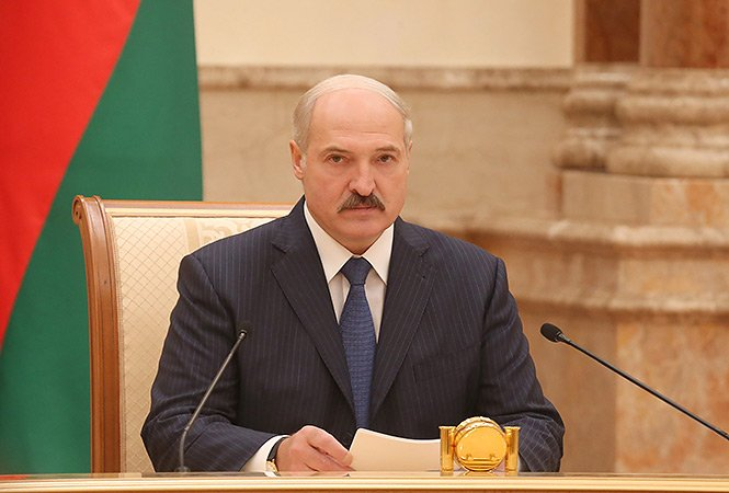 """Сенсационное заявление Лукашенко повергло Кремль в шок: лидер Беларуси призвал народ объединится против РФ, ведь опыт """"братской воюющей Украины показал, что победить можно лишь вместе"""""""