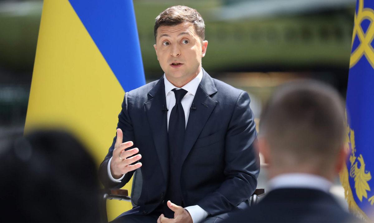 Закон об олигархах попал в Сеть: у Зеленского обвинили СМИ во лжи, журналисты отреагировали