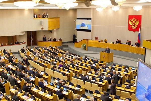 Пенсионеры готовятся умирать от голода: Госдума России ударила по старикам, приняв скандальный закон