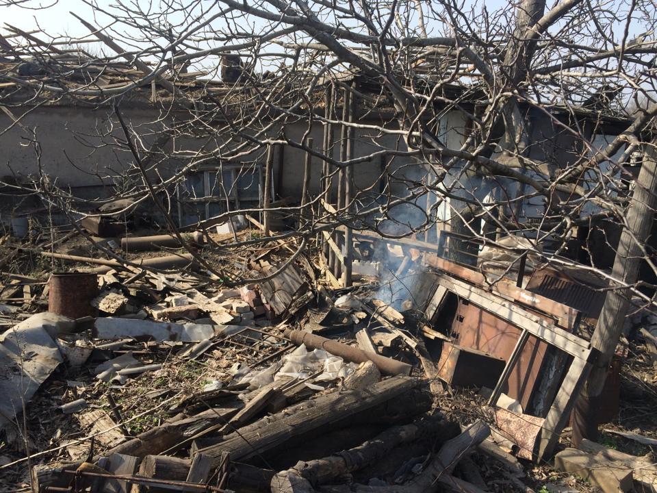 """Около Авдеевской промзоны """"эффективно"""" действует """"перемирие"""": в результате ожесточенного боя трое украинских бойцов получили ранения, война продолжается"""